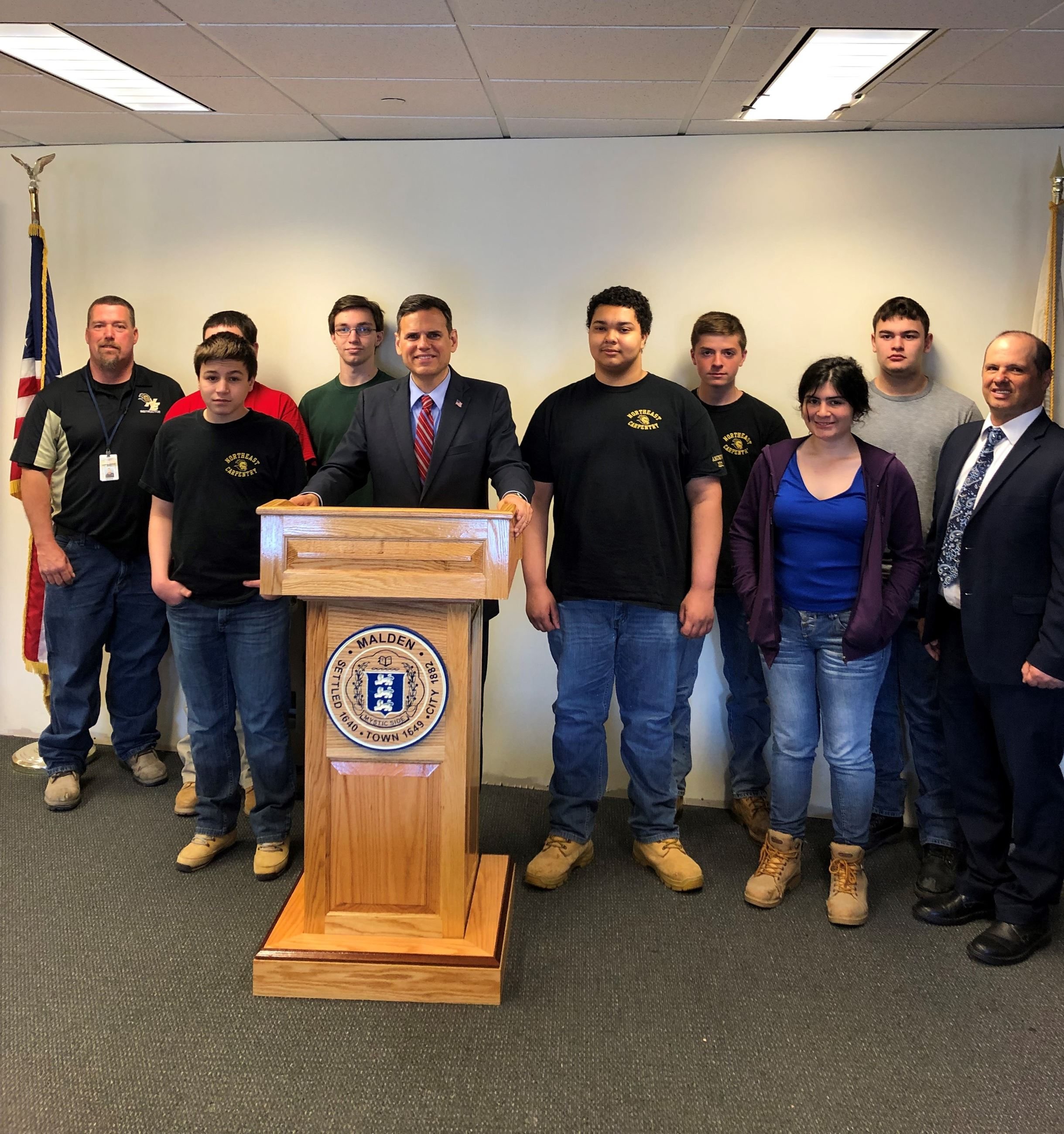 NE Metro Tech Students with Mayor and New Podium